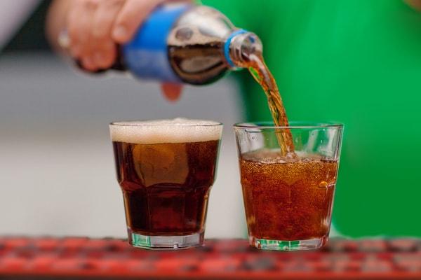 سان تین - محصول پدیده شیرین - نوشیدنی گازدار کم کالری